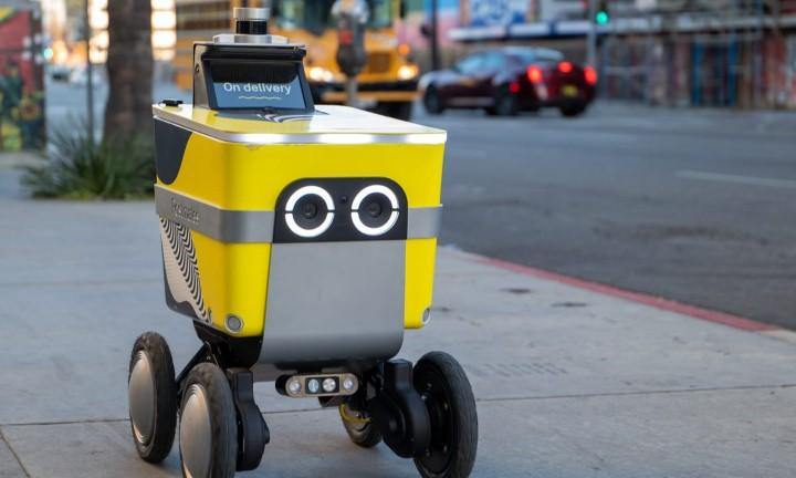 روبوت توصيل طعام أوبر
